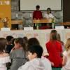 Carmina und Arssani, die designierten KinderbürgermeisterInnen,  eröffnen die Wahl