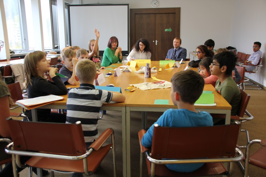 KinderParlament Leoben am Runden Tisch zum Thema Umweltschutz © Kinderbüro – die Lobby für Menschen bis 14