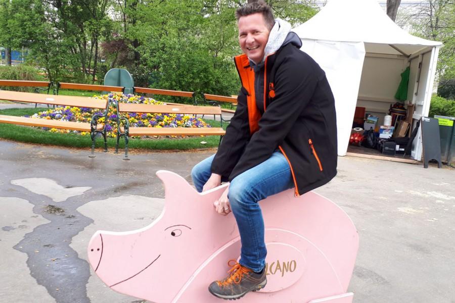 """Am """"Vulcano-Schweinchen"""" © Kinderbüro – Die Lobby für Menschen bis 14"""