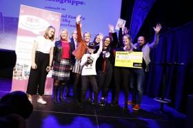 ategorie Außerschulische Projekte - Platz 1: Amt für Jugend und Familie und der AG SR4 mit ProjektpartnerInnen